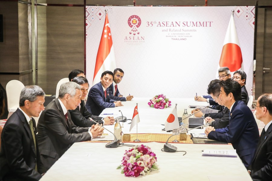 Singapore's Prime Minister Lee Hsien Loong (left, with mic) andJapanese Prime Minister Shinzō Abe had a bilateral meeting on the sidelines of the 2019 ASEANsummit. (SPH)