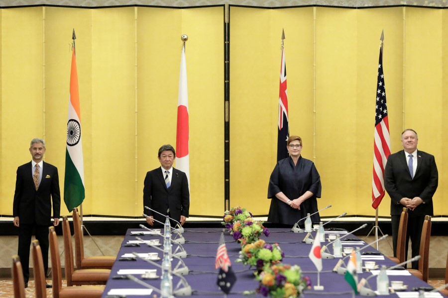 Indian Foreign Minister Subrahmanyam Jaishankar, Japan's Foreign Minister Toshimitsu Motegi, Australia's Foreign Minister Marise Payne and U.S. Secretary of State Mike Pompeo pose for a picture prior the Quad ministerial meeting in Tokyo, Japan, 6 October 2020. (Kiyoshi Ota/Pool via REUTERS)