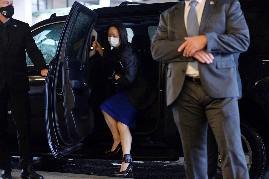 Huawei Chief Financial Officer Meng Wanzhou returns to a court hearing following a lunch break in Vancouver, British Columbia, Canada, 16 August 2021. (Jennifer Gauthier/Reuters)