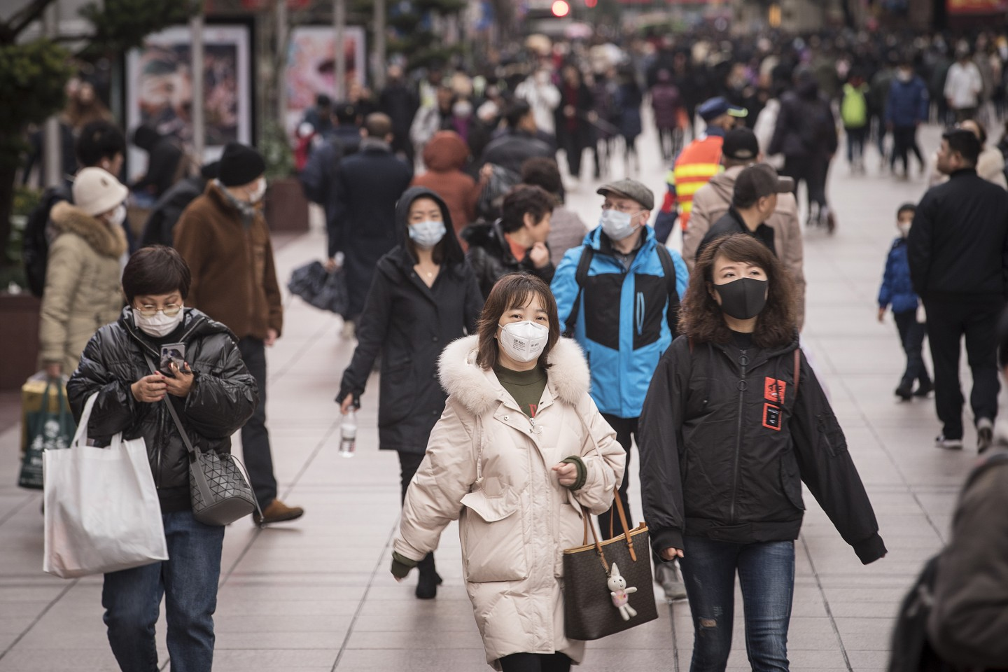 How should public opinion be handled amidst the escalation of the Wuhan coronavirus? (Qilai Shen/Bloomberg)