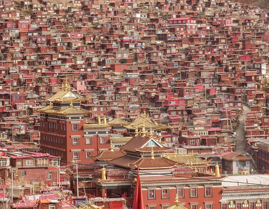 The Larung Gar,a community in Sertar County of the Garzê Tibetan Autonomous Prefecture, in Sichuan, China.