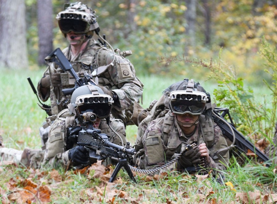 This handout photo courtesy of US Army taken 27 October 2020 shows soldiers from the 82nd Airborne Division. (Bridgett Siter/US Army/AFP)