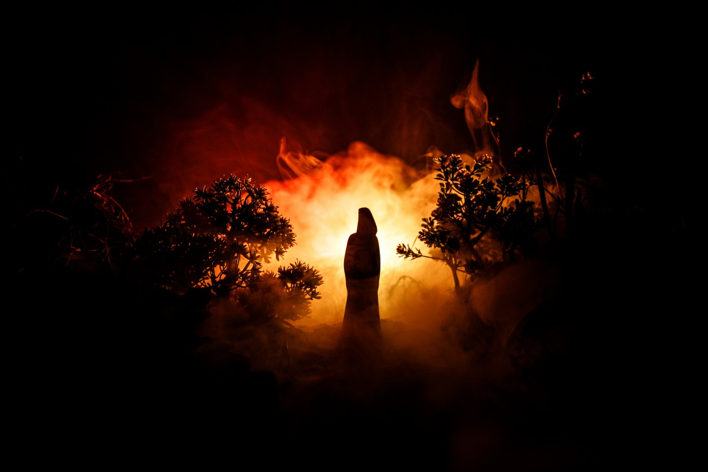 Although one might not have the experience of seeing a twenty feet tall black ghost that flies, one could have in mind all the concepts that could construct such an image. (iStock)