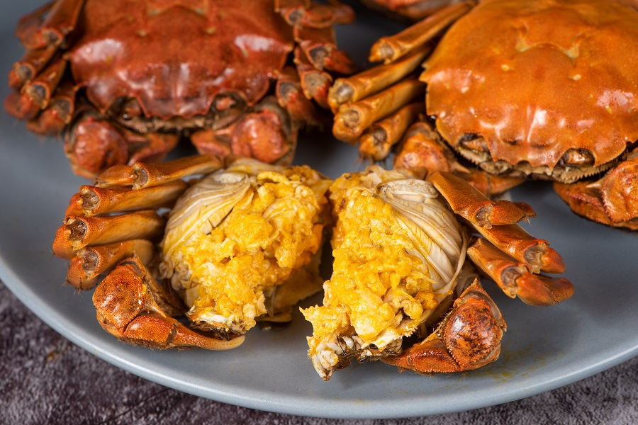 A long-awaited date with hairy crabs. (iStock)