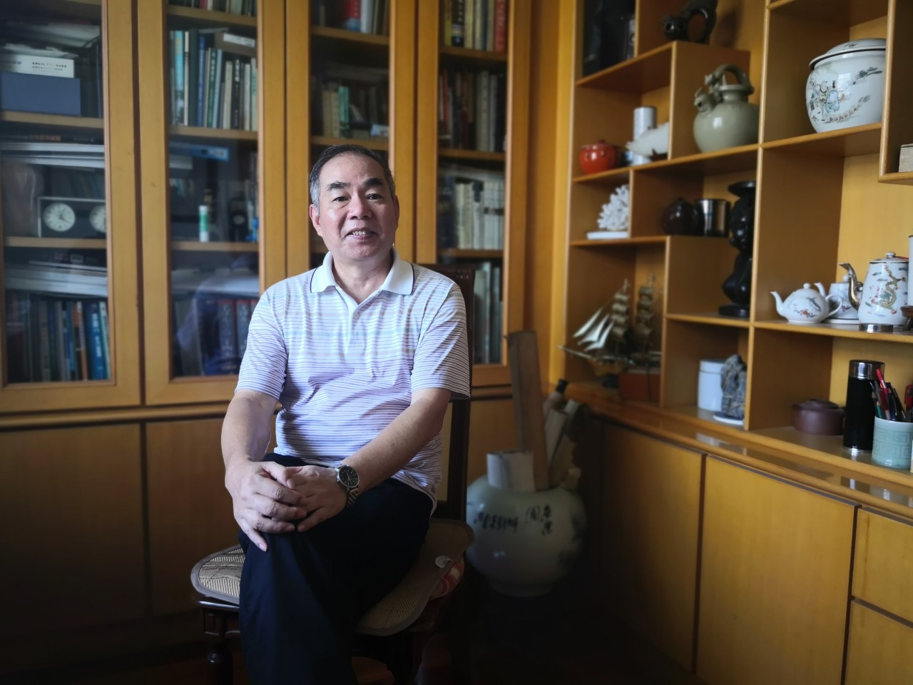 The now retired Qiu Yaotian is enjoying his twilight years, busy with things he had no chance to do in his younger days. (Photo: Yang Danxu)
