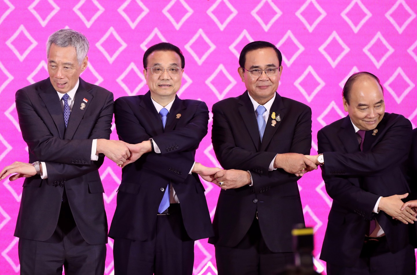 Singapore's Prime Minister Lee Hsien Loong, China's Premier Li Keqiang, Thailand's Prime Minister Prayuth Chan-ocha, and Vietnam's Prime Minister Nguyen Xuan Phuc, pose for a photo at the ASEAN-China Summit on the sidelines of the 35th ASEAN Summit in Bangkok, Thailand, on 3 November 2019. (Soe Zeya Tun/Reuters)