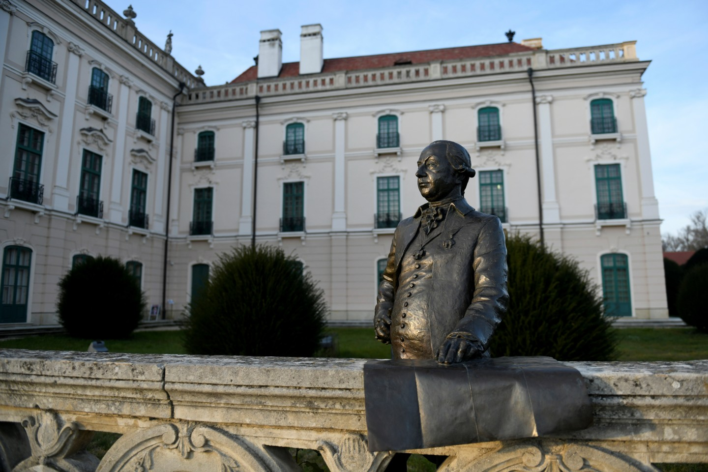 Hungary was among the earliest socialist countries to embrace economic reform. The picture shows the statue of Prince Miklos Esterhazy in the gardens of the Esterhazy palace in Fertod, Hungary. (Tamas Kaszas/Reuters)