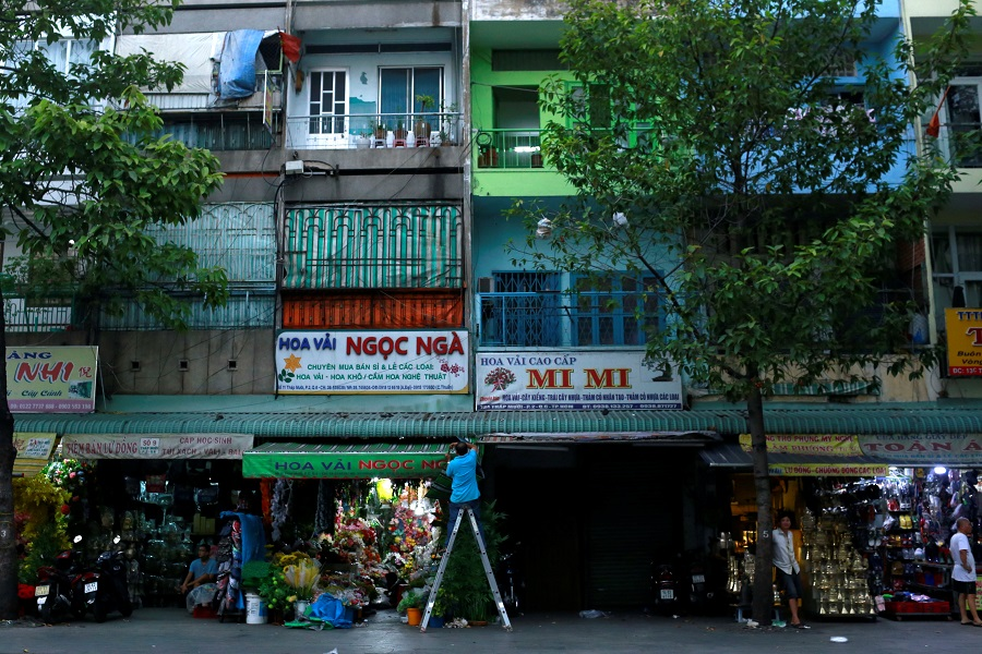Shops are open after the government eased nationwide lockdown during the coronavirus outbreak in Ho Chi Minh, Vietnam, on 25 April 2020. (Yen Duong/Reuters)