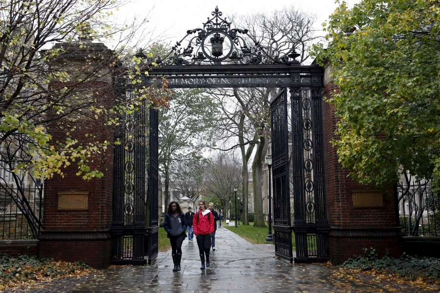 Students walk on the campus of Yale University in New Haven, Connecticut November 12, 2015. REUTERS/Shannon Stapleton/File Photo