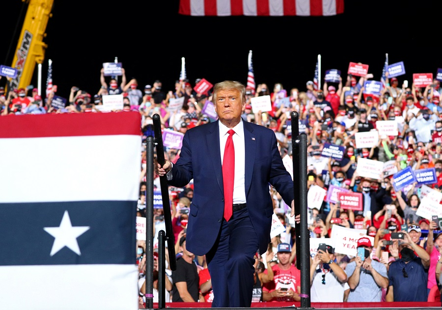 US President Donald Trump holds a campaign rally in Gastonia, North Carolina, US, 21 October 2020. (Tom Brenner/Reuters)