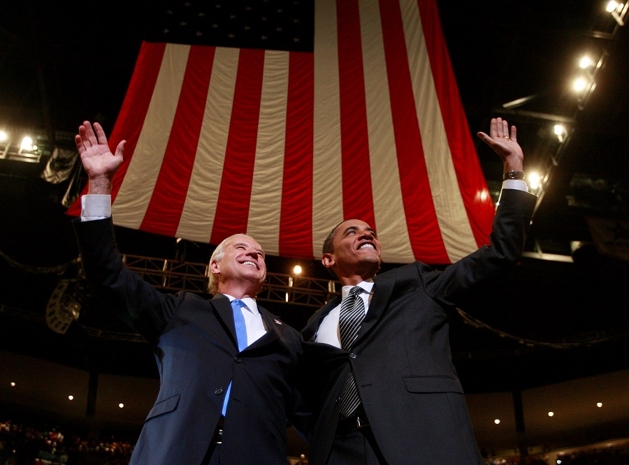 US Democratic Presidential nominee Senator Barack Obama (right) and his Vice Presidential nominee Senator Joe Biden participate in a campaign rally in Sunrise, Florida, US, 29 October 2008. (Jason Reed/File Photo/Reuters)