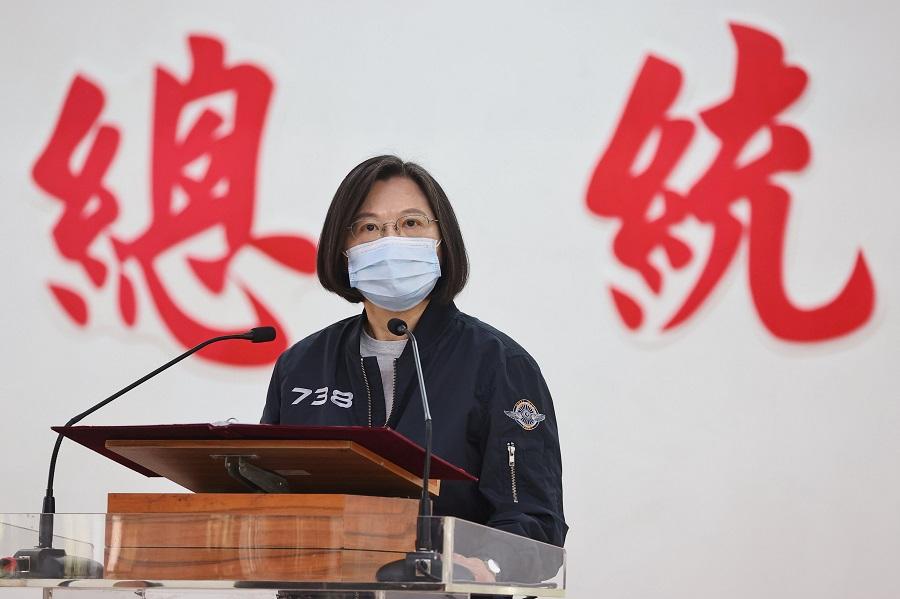 Taiwan President Tsai Ing-wen makes a speech during her visit to a military base in Tainan, Taiwan, 15 January 2021. (Ann Wang/Reuters)