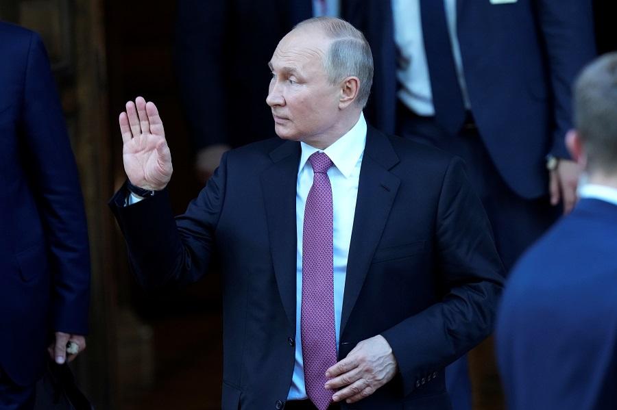 Russian President Vladimir Putin leaves Villa La Grange after his meeting with US President Joe Biden in Geneva, Switzerland, 16 June 2021. (Alexander Zemlianichenko/Pool via Reuters)