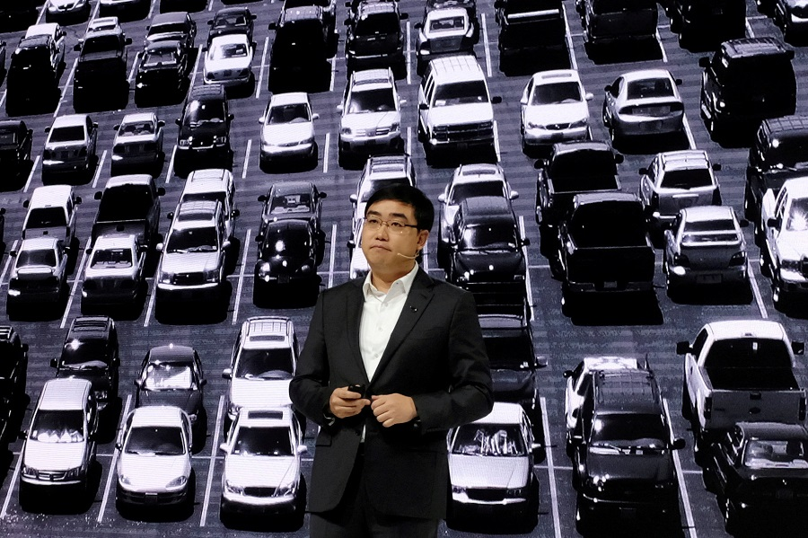 Didi Chuxing's CEO Cheng Wei speaks at a product launch event in Beijing, China, 16 November 2020. (Yilei Sun/File Photo/Reuters)