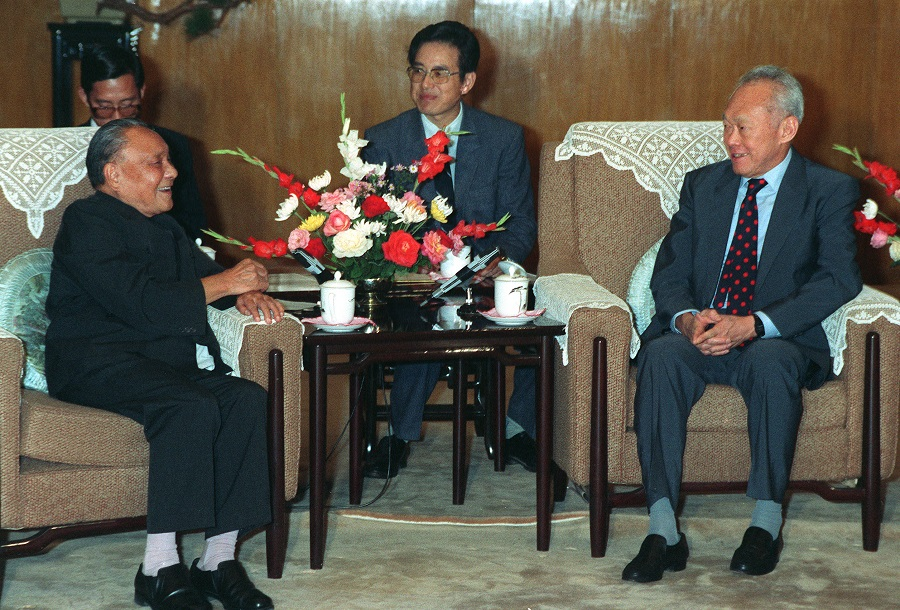Singapore founding Prime Minister Lee Kuan Yew (right) meets China paramount leader Deng Xiaoping during Lee's official visit to China in September 1988. (SPH)