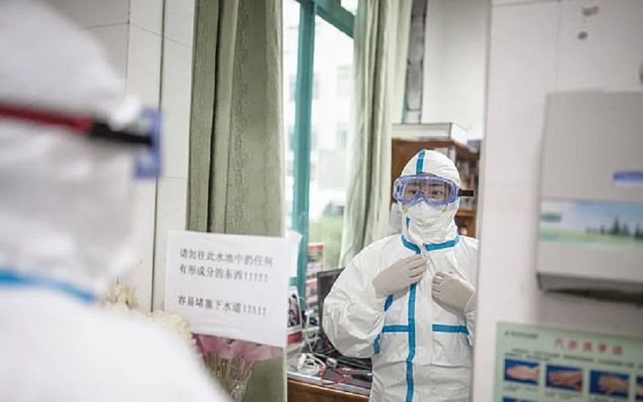 Ai Fen regrets not screaming louder relentlessly to alert the public about the outbreak. (Weibo)