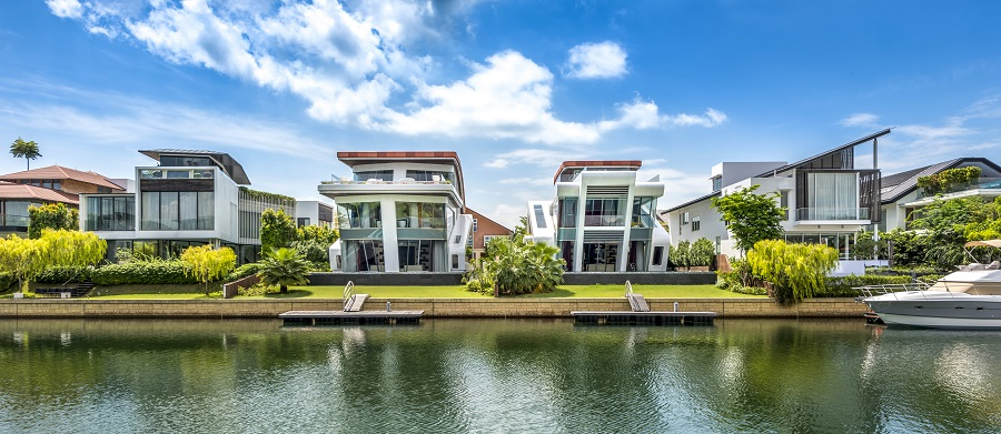 A view of two award-winning adjacent bungalows on Cove Grove in Sentosa Cove, Singapore. (Mercurio Design Lab)