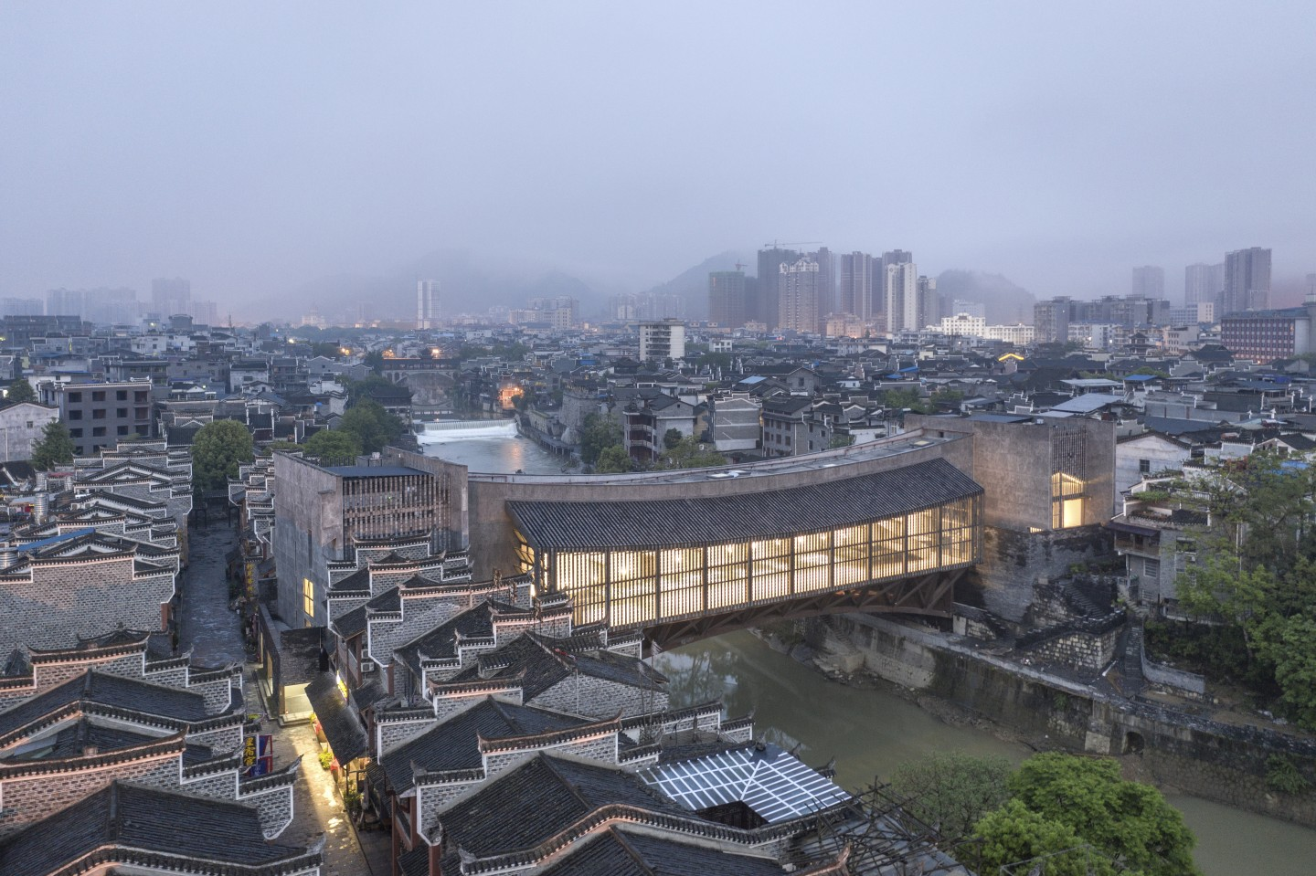 FCJZ 05 - 2019 吉首美术馆 Jishou Art Museum - 鸟瞰 Bird_s-eye view - Photo by Tian Fangfang