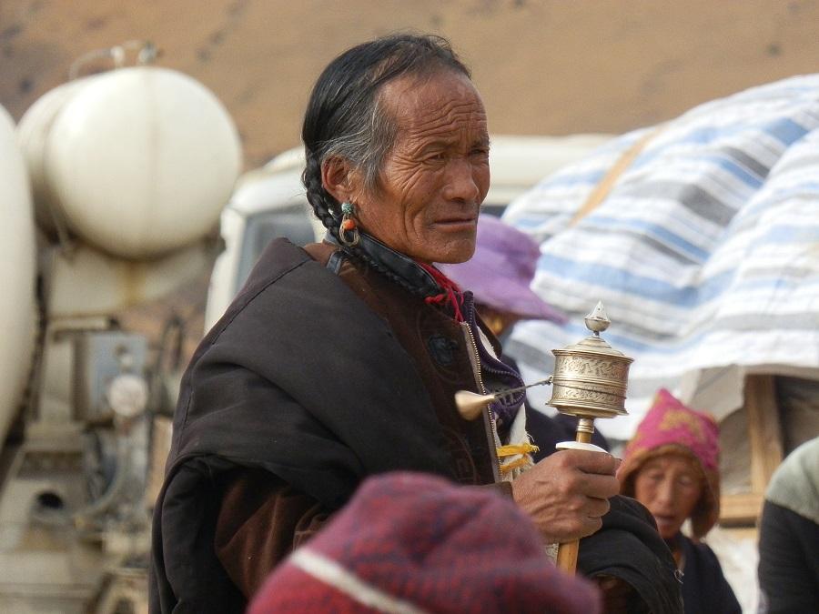 Pilgrims in Larung