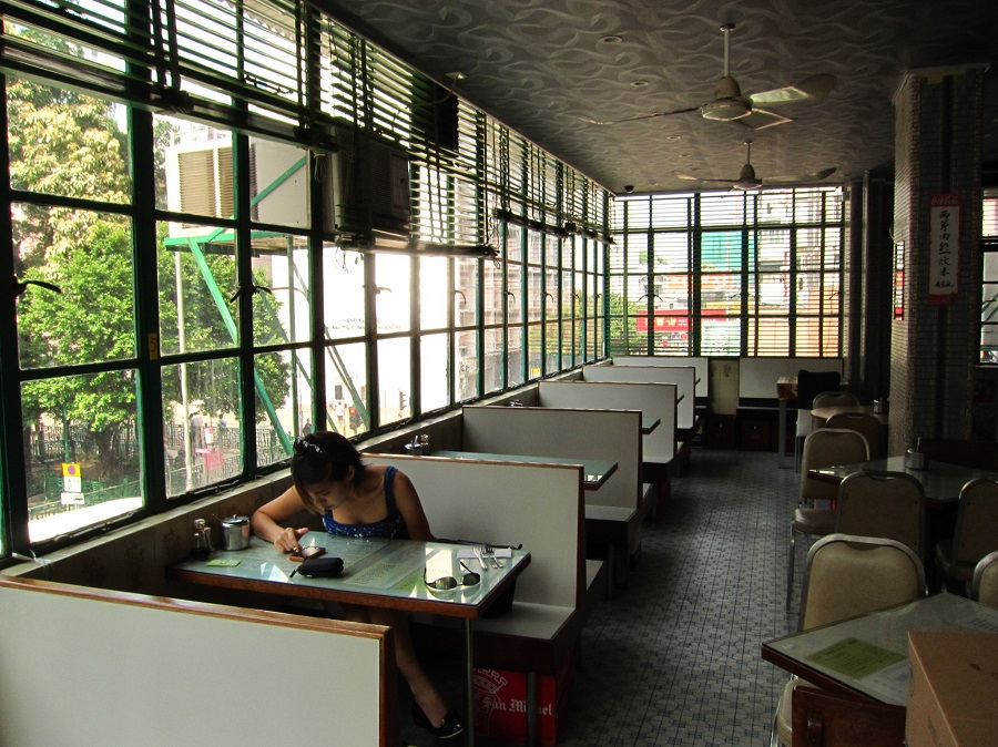 The interior of the Mido Cafe at Temple Street, Hong Kong. (SPH)