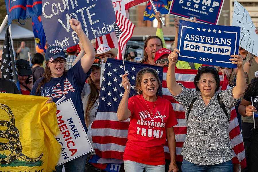Supporters of US President Donald Trump gather to protest outside the Maricopa County Election Department as counting continues after the US presidential election in Phoenix, Arizona, on 5 November 2020. (Olivier Touron/AFP)