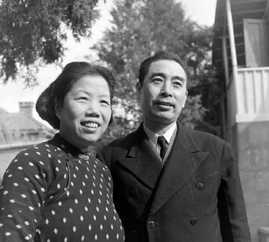 Zhou Enlai and his wife Deng Yingchao. (Wikimedia)