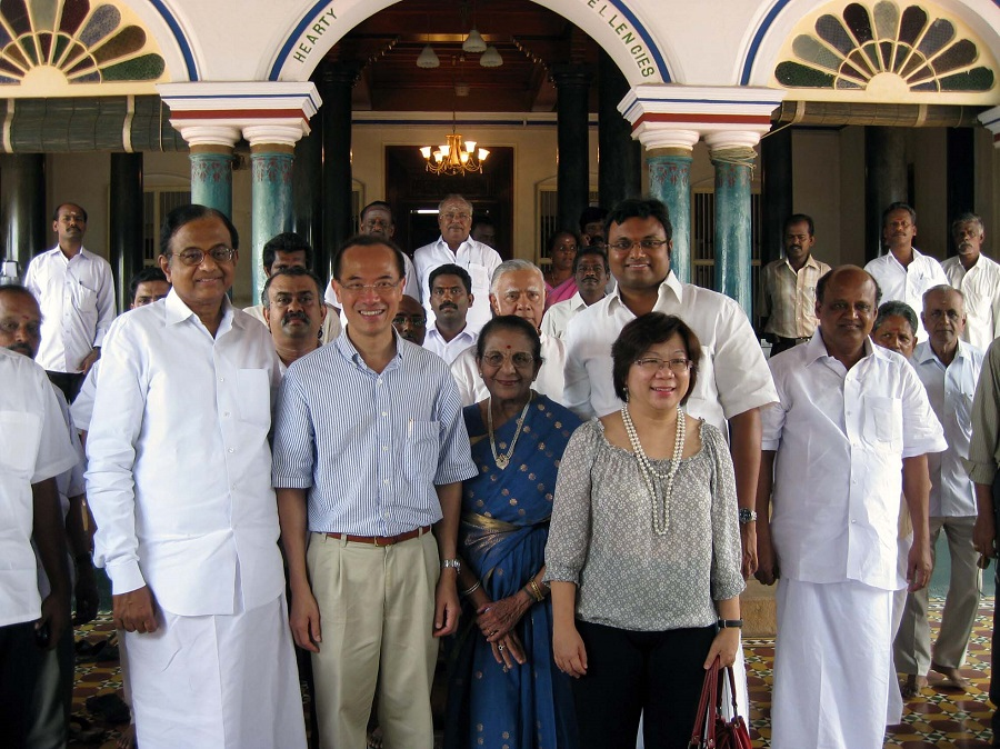 Foreign Affairs Minister George Yeo with Indian Minister for Home Affairs P. Chidambaram (left) in front of the Chettinad Palace in Kanadukathan in Tamil Nadu, India. (Ministry of Foreign Affairs)