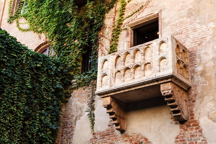 The famous balcony at Juliet's house in Verona, Veneto, Italy. (iStock)