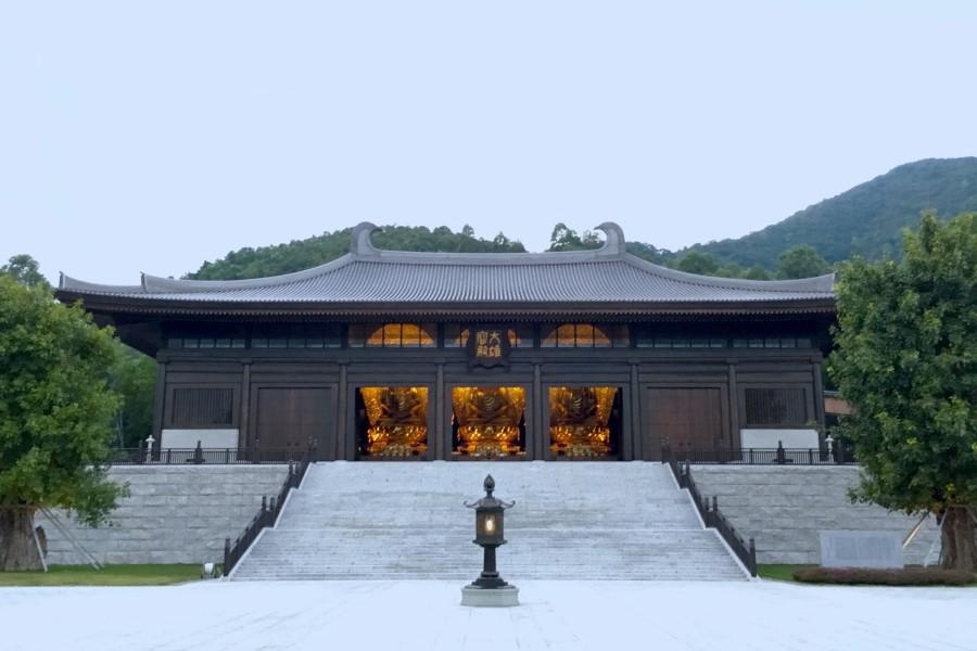 tsz shan main courtyard