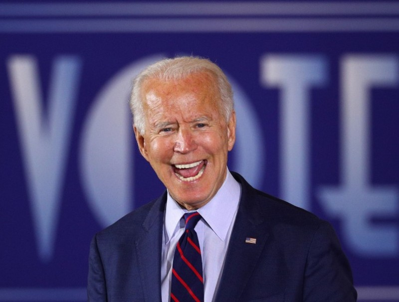 U.S. Democratic presidential candidate Joe Biden delivers remarks during a Voter Mobilization Event campaign stop at the Cincinnati Museum Center at Union Terminal in Cincinnati, Ohio, 12 October 2020. (Tom Brenner/REUTERS)
