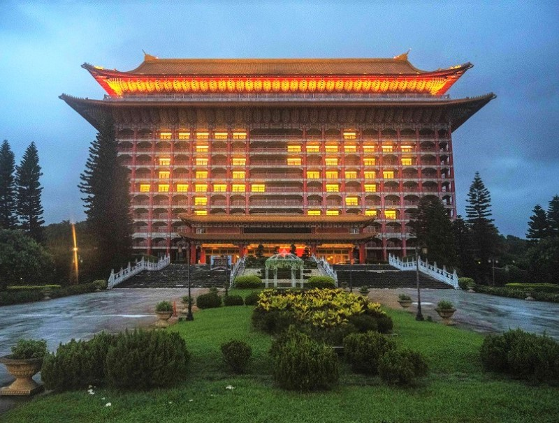 The Grand Hotel is illuminated with the Chinese characters '平安' (Peace) in Taipei, Taiwan, 3 June 2021. (Billy H.C. Kwok/Bloomberg)