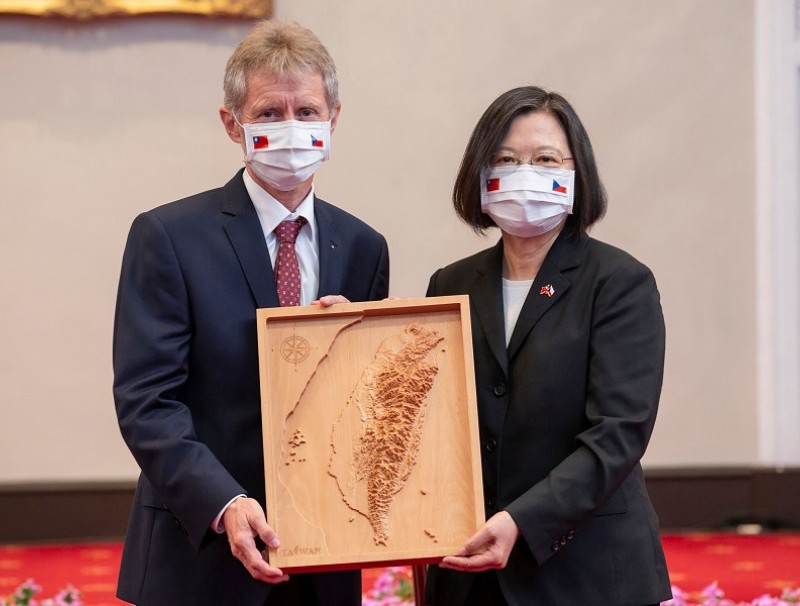This handout photo taken and released on 3 September 2020 by Taiwan's Presidential Office shows Czech Senate Speaker Miloš Vystrčil receiving a map of Taiwan from Taiwan President Tsai Ing-wen at the Presidential Office in Taipei. (Handout/Taiwan Presidential Office/AFP)