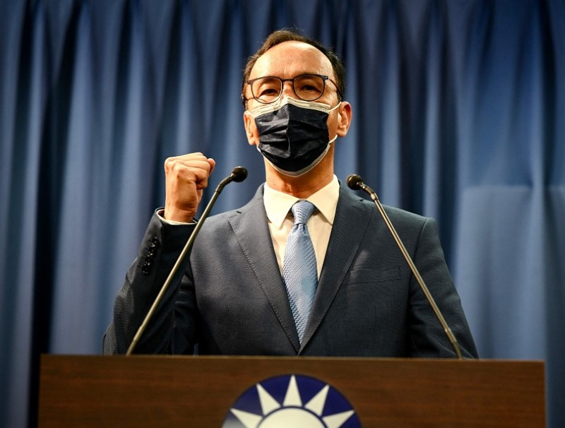 Eric Chu, Taiwan's newly-elected main opposition Kuomintang (KMT) chairman, gestures on the podium following his election victory for the party's leadership at the KMT headquarters in Taipei, Taiwan, on 25 September 2021. (Sam Yeh/AFP)
