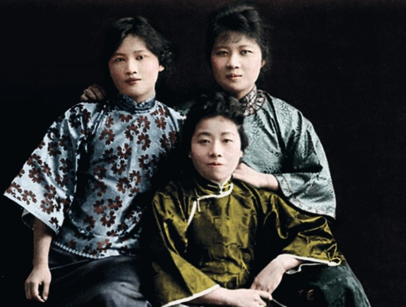 The Soong sisters on their return to China after graduating from college in the US. From left: Soong Ching-ling, Ai-ling, and Mei-ling. The Soong family was from Hainan island, and father Charlie Soong was a businessman who migrated to the US.