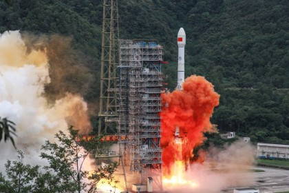 A Long March 3B rocket carrying the Beidou-3GEO3 satellite lifts off from the Xichang Satellite Launch Center in Xichang in China's southwestern Sichuan province, 23 June 2020. (STR/AFP)