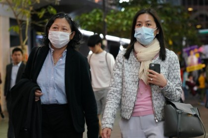 Women wearing masks in Hong Kong. The Hong Kong authorities have stepped up vigilance against the mystery pneumonia in Wuhan. (CNS)